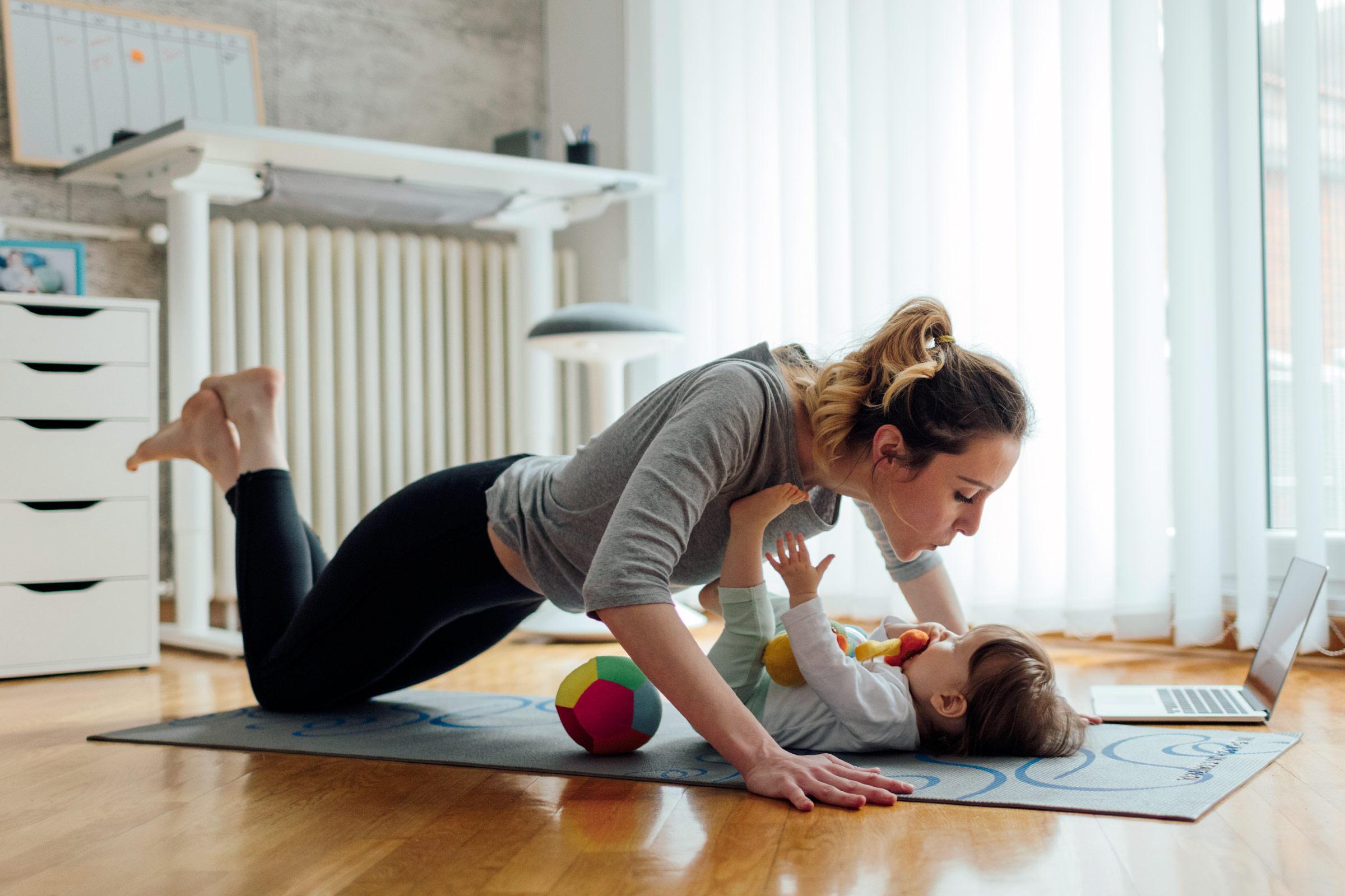 Yoğun Anneler İçin 10 Dakikalık Canlandırıcı Antrenman Programı