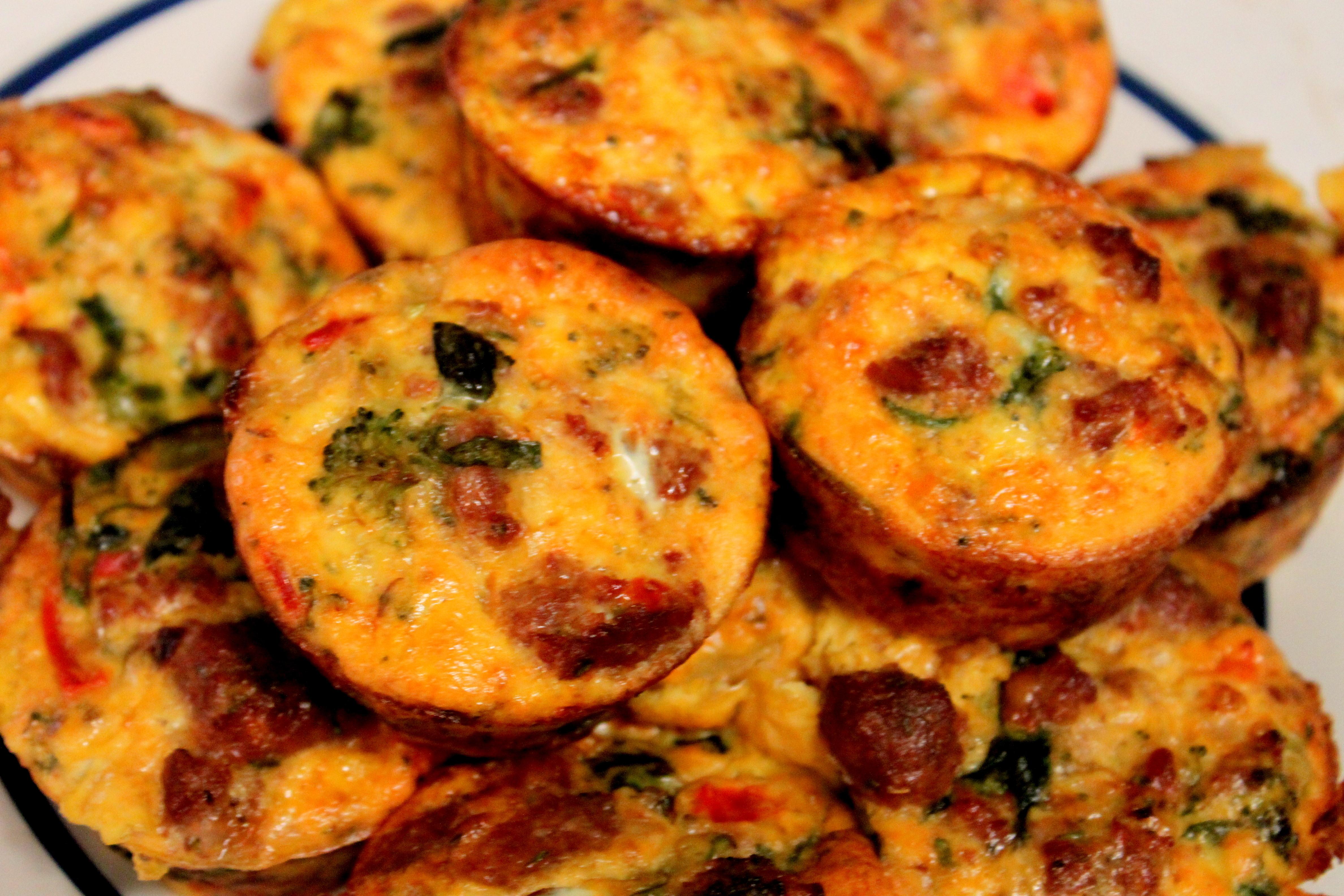 vucut-gelistirmeye-uygun-yumurta-ve-hindi-fumeli-muffin-tarifi